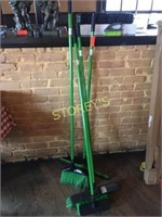 Qty of Green Brushes & Wall Hanger Unit