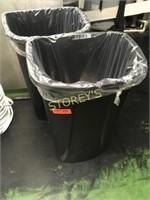 2 Garbage Bins - 11 Gallon