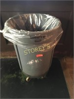 Brute Trash Bin w/ Dolly