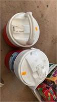 2 igloo coolers