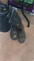 Rubber boots (unknown size)
