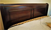Sleigh bed bedroom set