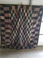 old  wool quilt   Knot style