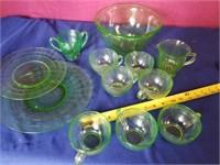 depression glass  w/ bowl