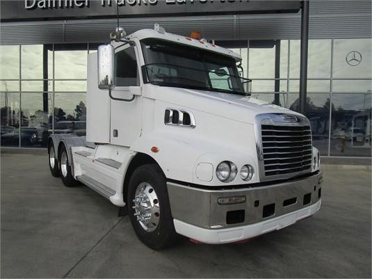 2011 Freightliner COLUMBIA 112 - Trucks for Sale