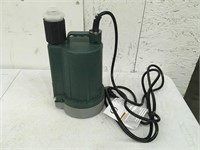Zoeller Submersible pump No Box