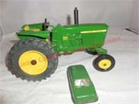 Ertl J.D. 3010 DSL Tractor(1:16th scale) &