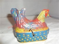 Baldwin Vintage Tin Wind Up Chicken