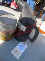 Mobil qt. Oil Can & Plastic spouted mobil can