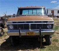 1975 F-250 pickup, has title,  did not try to