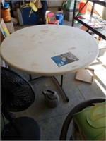 """60"""" round fold in half  table"""