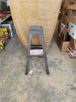 """Bench grinder stand 32"""" tall 100 lb capacity."""