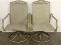 2 Swivel Patio Chairs