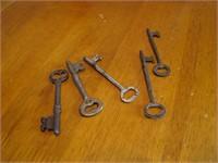 5 Antique Door Keys
