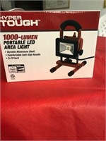 HYPER TOUGH 1000 LUMEN LED AREA LIGHT