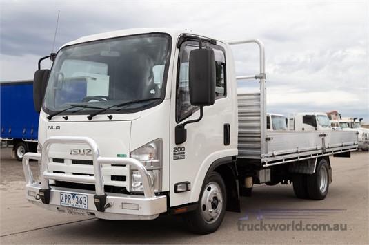 2013 Isuzu NLR Westar - Trucks for Sale