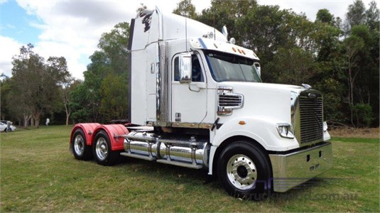 2015 Freightliner CORONADO 122 - Trucks for Sale