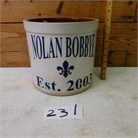 Nolan Bobbye Est. 2003 Crock