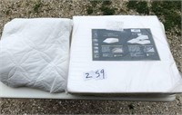 King comforter w/ Bed wedge