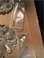 Rosettes, prisms, Glass knobs