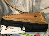 Bowed psaltery in case