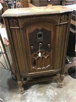 RCA Victor Radio, some damage on front