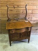 Oak wishbone table