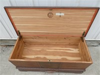 Roos Chest -Cedar Lined Trunk