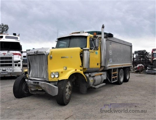 2004 Western Star 4800 - Wrecking for Sale