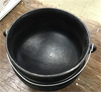 Cast Iron #3 Witches Cattle with Lid