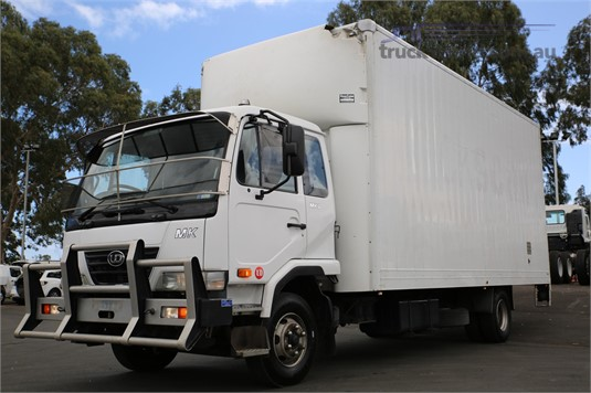 2008 UD MK11250 - Trucks for Sale