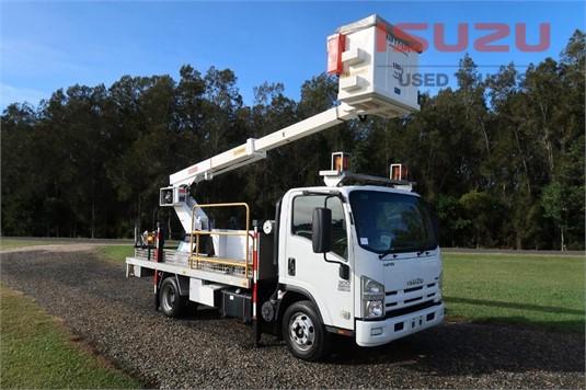 2010 Isuzu NPR 300 Medium Used Isuzu Trucks - Trucks for Sale