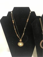 Lot of 6 Necklaces - see pictures