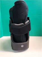 United Ortho Short Air Cam Walker Fracture Boot,