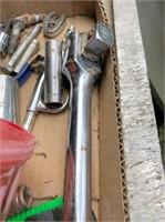 """paint spray gun, 1-7/8"""" trailer hitch & misc."""
