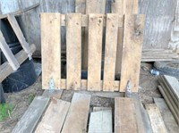 1x6 & 1x8 oak boards & gate- was a horse stall