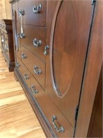 2-door, 7-drawer dresser w/mirror 56x18.5x73 H