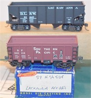 DL&W and SP Hoppers HO