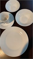 40 Pc Service for 8 JCHome Dish Set
