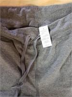 Danskin capri pants. Gray size 2x. Some