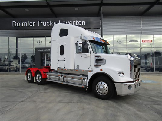 2012 Freightliner CORONADO 122 - Trucks for Sale