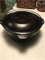 #8 Cast Iron Dutch Oven