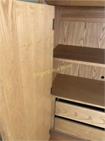 FOUR PIECE SOLID OAK QUEEN BEDROOM SET