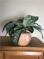 FAKE PLANT W/POTTERY POT