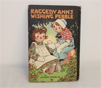 Raggedy Ann's Wishig Peeble - book