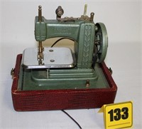 Besty Ross child's sewing machine (no top)