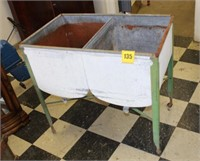 Galzenized double wash tub