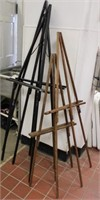 4 wooden Easels