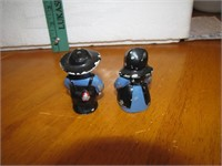 "2 Vtg Metal Dutch Boy & Girl S&P Shakers 2&1/4"""