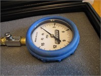 Moroso 89582 Air Pressure Gauge with Light Made in